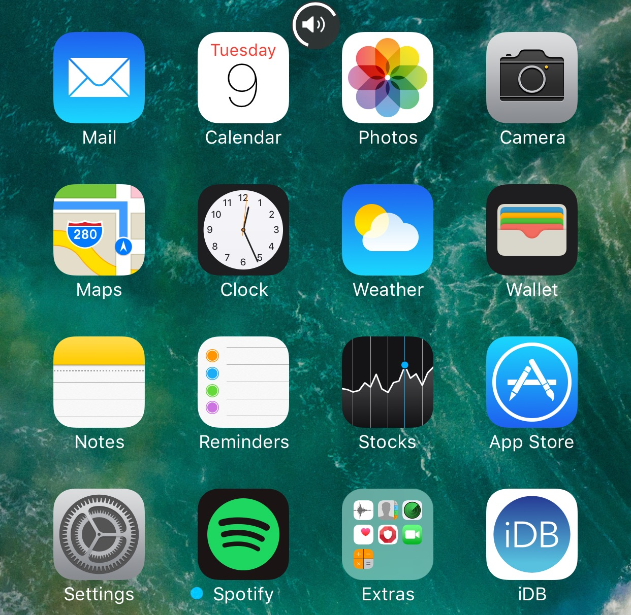 The Best Jailbreak Tweaks for the Volume HUD in iOS 10