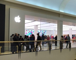 Apple Opens Larger, Relocated Store in Raleigh's Crabtree Valley Mall