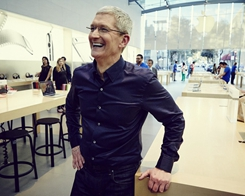 Apple's Tim Cook Will Give Away all His Money