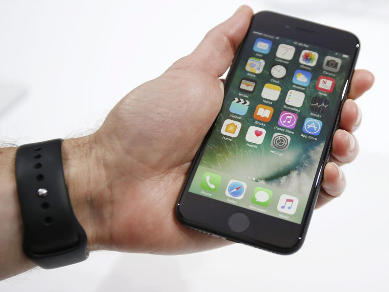 Apple Needs To Quickly Address Another iPhone Problem
