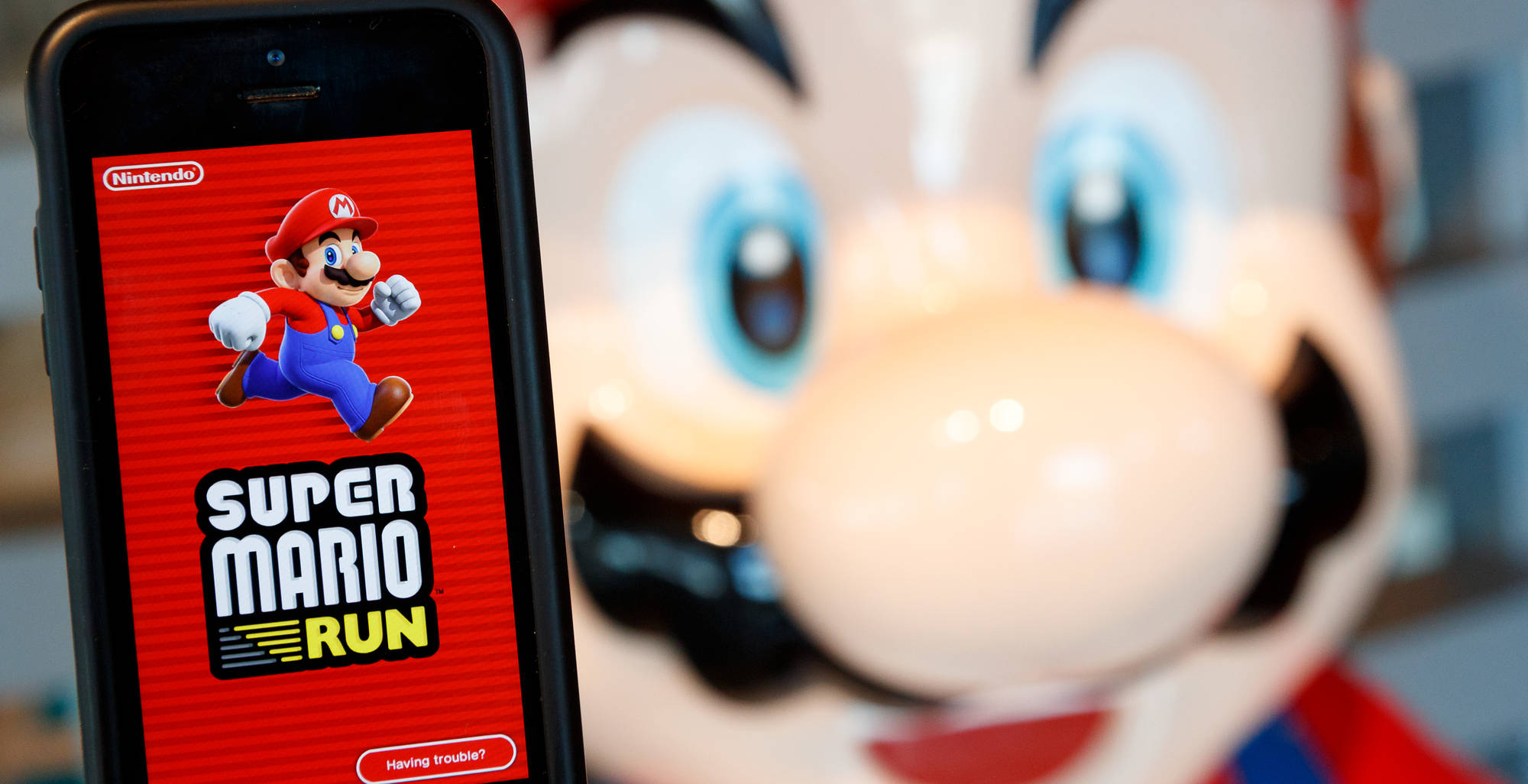 Nintendo Shares Fall After 'Super Mario Run' Disappoints
