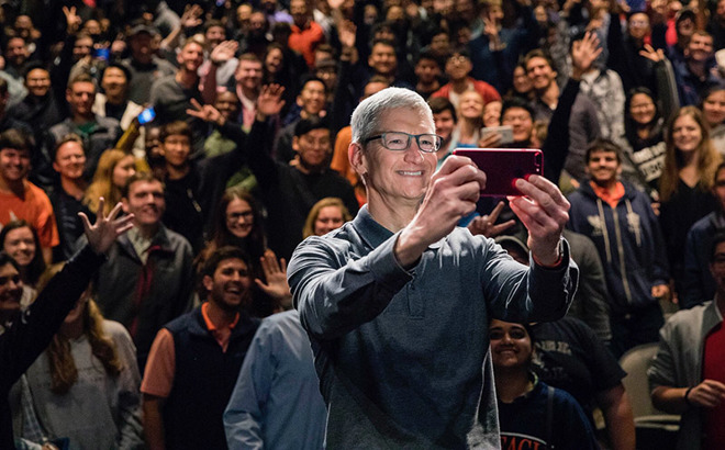 Apple CEO Tim Cook Talks Diversity at Auburn University