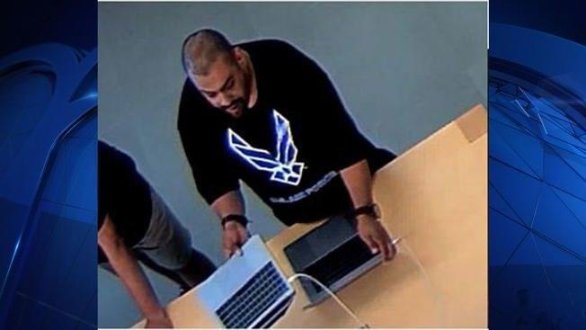 Knife-waving Pair Rob Apple Store In Knox-Henderson