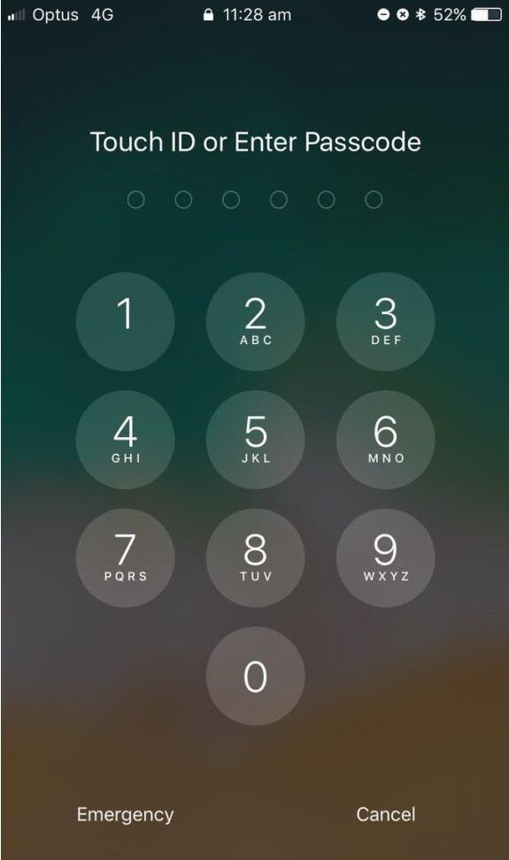 LockscreenXI Brings iOS 11's Lock Screen Interface to iOS 10