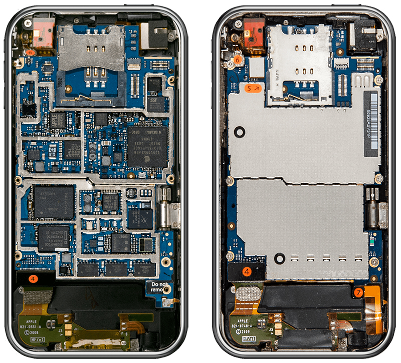 Here's How Much the Inside of An iPhone Has Changed in Ten Years