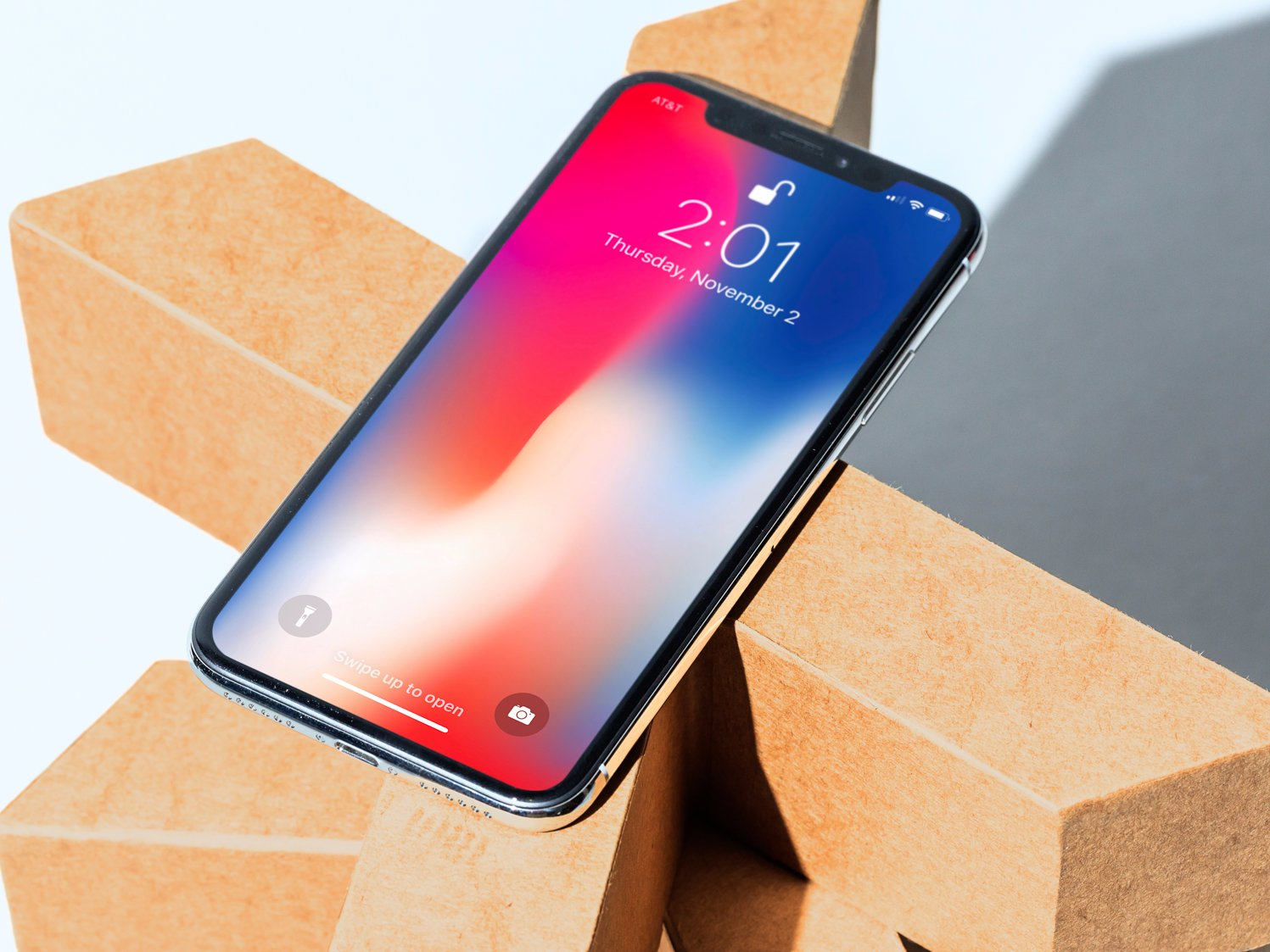 Wall Street Analyst Predicts Apple Will Launch A Supersized iPhone X Next Year