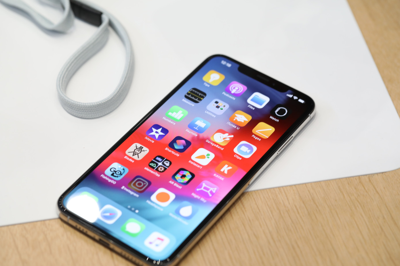 iPhone XS Max is Reportedly Dramatically Outselling the XS