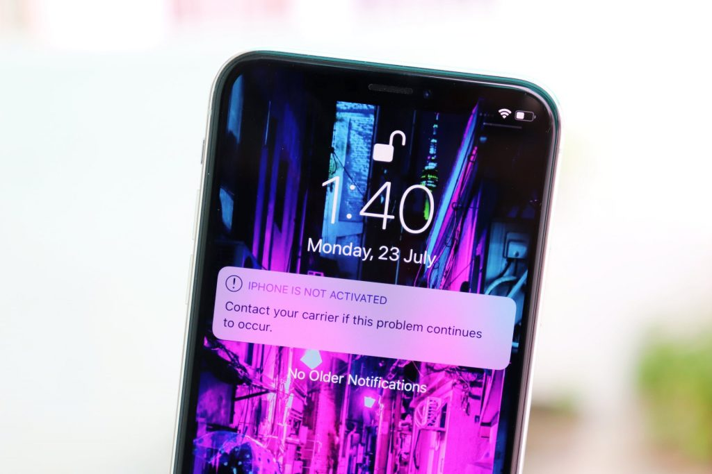 "How to Fix iPhone XS and iPhone XR ""No Service"" Issue?"