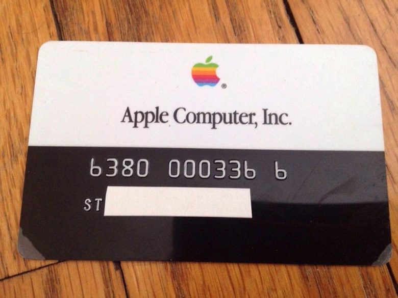 Apple's First Credit Card Issued – in 1986