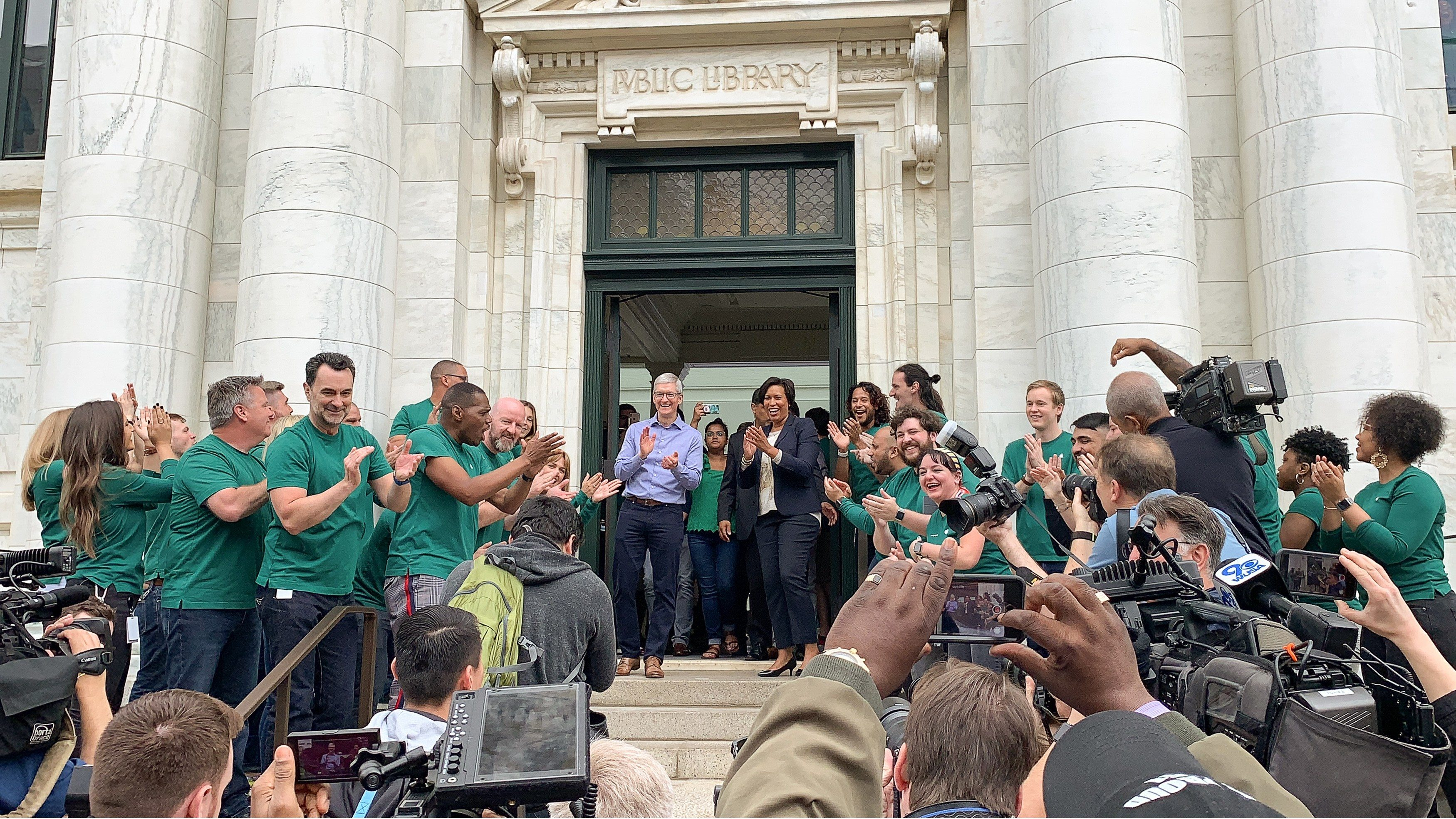 Tim Cook and D.C. Mayor Muriel Bowser Greet Customers at the Grand Opening of Apple Carnegie Library