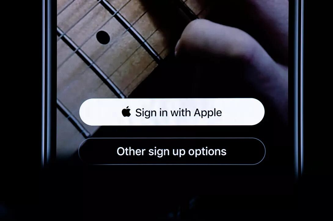 Mobile Google Says Apple's New Sign-In Button Is a Good Idea