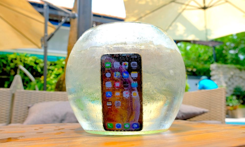 Apple's Creating Ultrasonic Tech to Make Your iPhone Work in the Rain