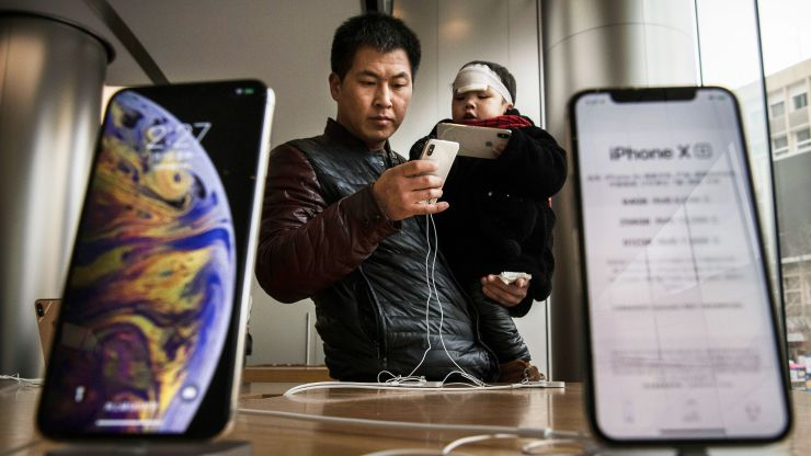 Apple Is Turning to a Chinese Firm for Premium iPhone Screens