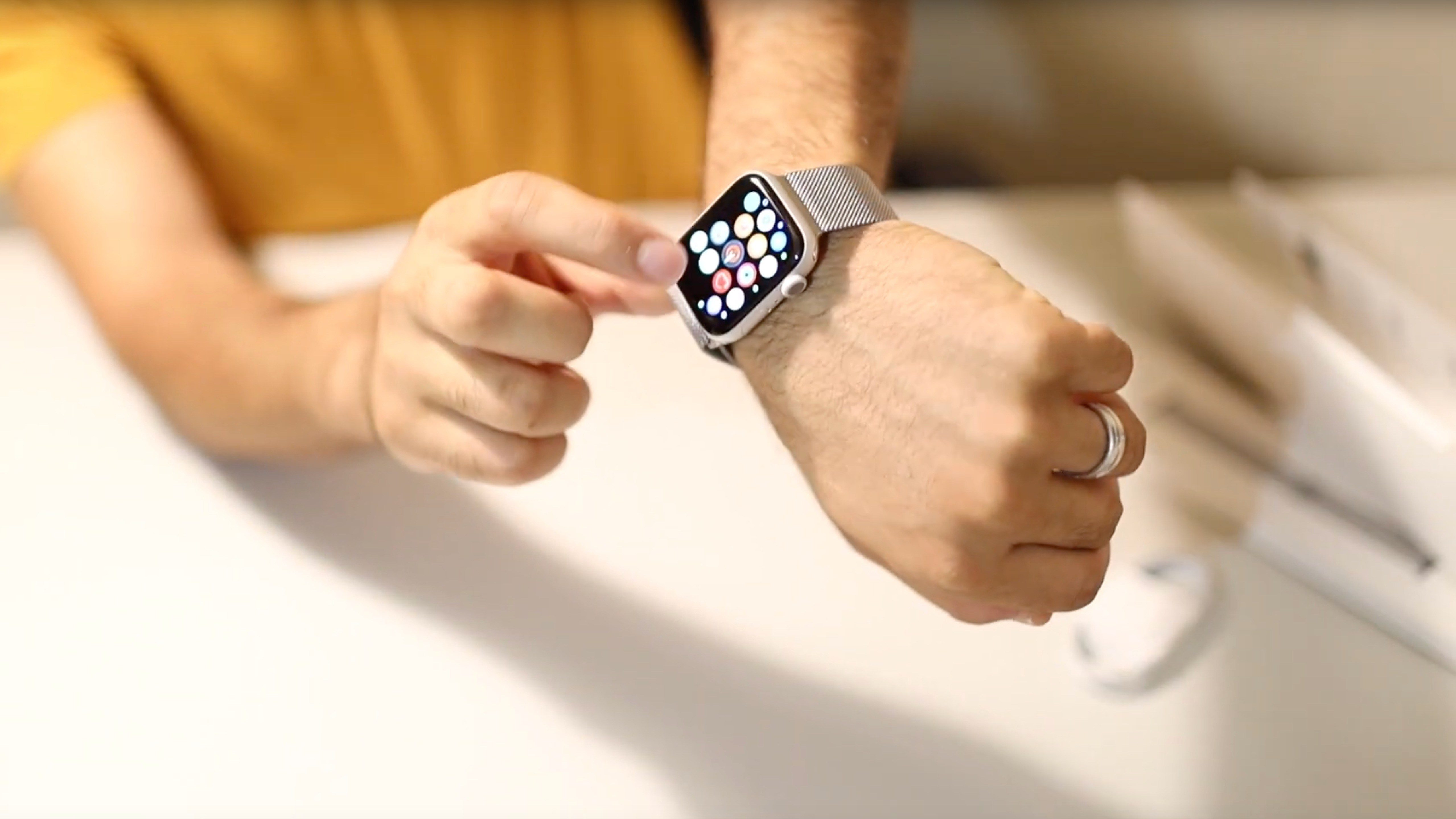 Early Hands-On Videos Unbox Apple Watch Series 5
