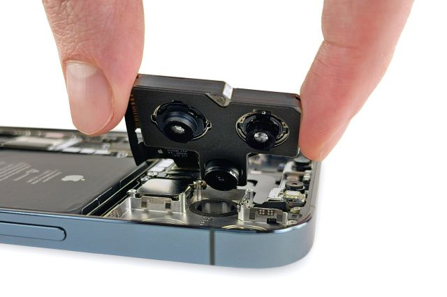 iPhone 12 Pro Max Teardown Reveals a Truly Huge Main Camera