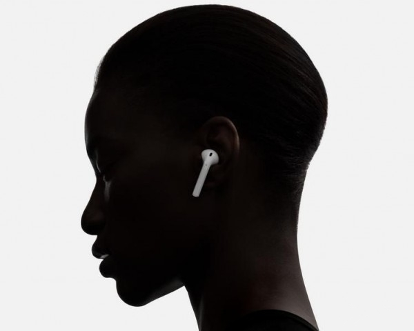 Apple Will Delay to Sell  Wireless Airpods