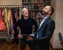 Tim Cook Meets Fashion Designer and VizEat Co-Founders on France Tour This Week