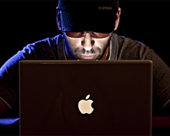 Apple, Samsung Vow to Fix Flaws After CIA Hack Report