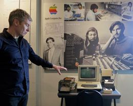 Steve Jobs' Prototype Apple 1 Computer Going on Display in Seattle's 'Living Computers' Museum