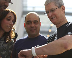 Tim Cook Spotted Testing Apple Watch-Connected Glucose Monitor