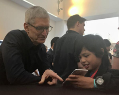 Yuma Soerianto Impresses Apple CEO Tim Cook With His Apps