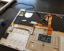 A Modder Turned a MacBook Pro into a Samsung DeX Laptop