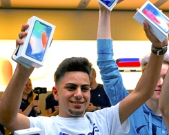 Owning an iPhone is the Most Common Sign of Wealth?