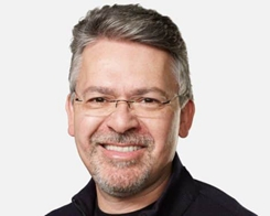 Ex-Google AI Expert Will Fix Siri's Serious Flaws