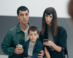 Latest Samsung Ads Mock the iPhone X Notch, Lack of Split-screen Multitasking & SD Card
