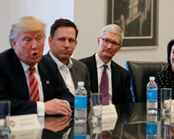 Trump Says will Meet Apple CEO Tim Cook for Dinner