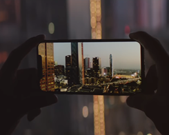 Apple Shares Fun New ad Touting Larger iPhone XS Max Screen