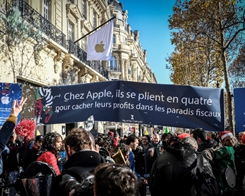 'Apple, Pay your Taxes!': Protest Greets US Tech giant's Champs-Élysées Launch