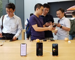 Companies in China Boycotting Apple, Reportedly Threatening to Fire iPhone Users