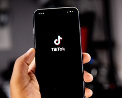 Apple Enlists Influencers to Promote iPhone 12 Mini on TikTok